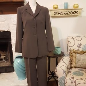 STYLE & CO OLIVE GREEN PANTSUIT SIZE 6